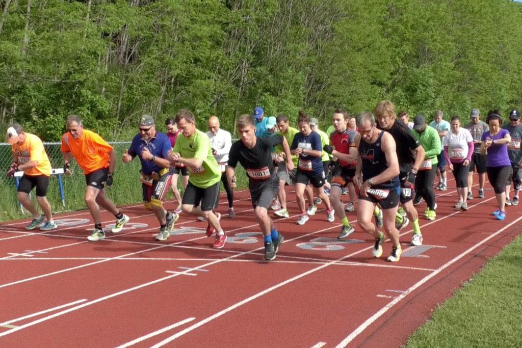 runners ar the starting line
