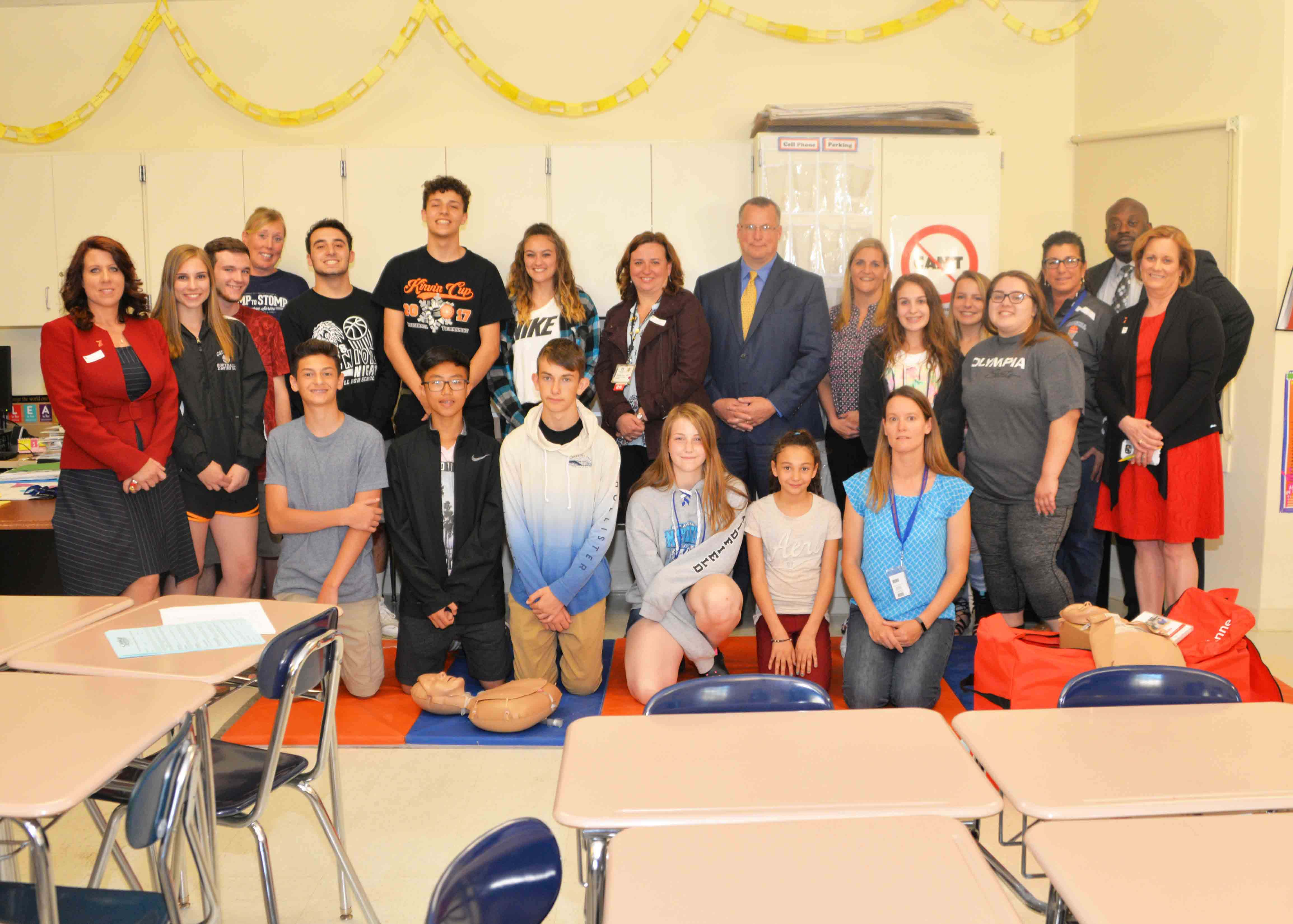 Mrs. Clancy's class, Dr. Cook, and representatives from the American Heart Association, Albany Med, and Columbia Memorial