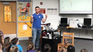 Dan Sadlowski talks with students